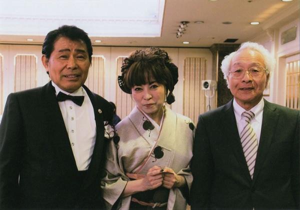 右、元ドンキーカルテットの岩井社長。右から2番目古都はるみさん